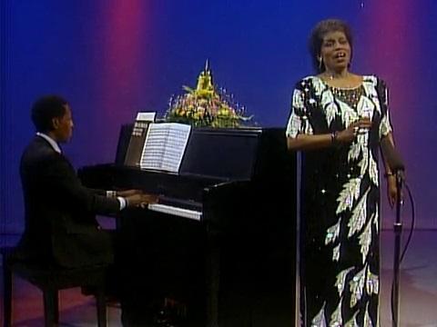Frances Ellis-Marsh performing spirituals